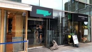 【衝撃】パクリ疑惑のティラミス店「HEROS」が閉店 / 表参道店が撤去作業開始