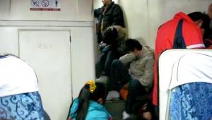 【現地レポート】中国の正月に鉄道列車に乗ったら地獄を体験した件 / 昆明から成都へ19時間ずっと満員列車