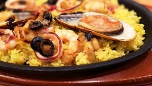 【話題】サイゼリヤでパエリアを注文したら貝に真珠が入っていた件 / 稀にある現象「私もパールゲットしたい!」
