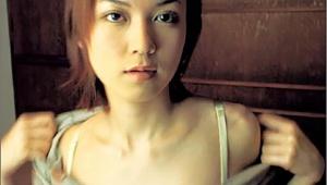 【炎上】美人すぎる女優・小嶺麗奈容疑者が緊急逮捕 / 元KAT-TUN田口淳之介容疑者と同時逮捕「3年B組金八先生にも出演」