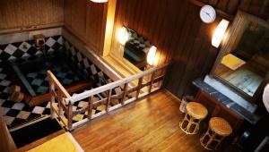 佐賀県でシーボルトが入浴した武雄温泉の貸切「殿様湯」に入ってみた / 激しく熱いが気持ちいい温泉