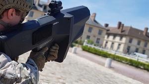 【衝撃】フランスでドローンだけを狙える銃 Nerod F5 を披露 / ドローンで空飛ぶスナイパーも出現か