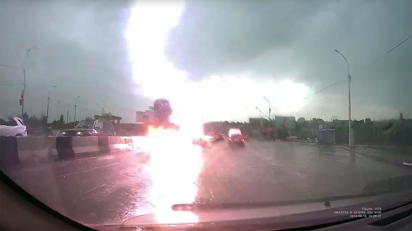 lightning-thunder1