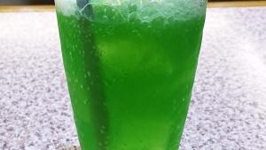 【甘美グルメ】池袋の地下2階で飲むクリームソーダ / 魅惑のクリームソーダ連載