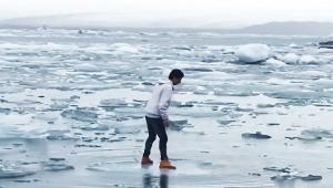 【動画ニュース】流氷に乗ったまま漂流の危機に陥った男 / その驚きの運命