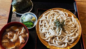 孤独のグルメのうどんとパンケーキがウマすぎる件 / 埼玉県新座市の肉汁うどんと西東京市ひばりが丘のカステラパンケーキ