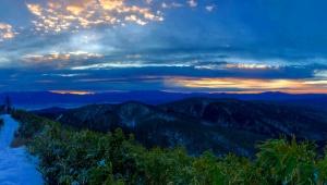 【魅惑の旅】360度の絶景パノラマ! 秘境「猪臥山」(いぶしやま)の山頂がすごい