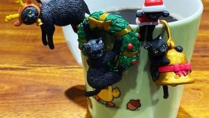 【話題】ベローチェの「ふちねこ」が全種類集めたくなるほどカワイイ件 / 全部コップに乗せてみた