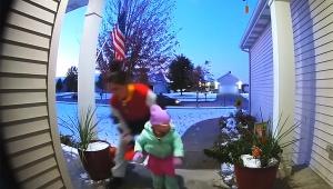 【話題】ものすごい勢いでハロウィンのお菓子を持ち去るお母さんの気迫がスゴイ動画が話題
