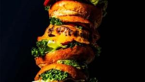 【挑戦グルメ】59800円の巨大ハンバーガーが無料で食べられるぞおおおぉぉ! 総重量約6キロ! いしがまや GOKU BURGER