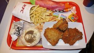 【話題】騙され続ける日本人 / クリスマスにチキンを食べる習慣は元KFC社長の嘘が発端「誰も不幸にならない嘘」