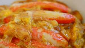 【魅惑グルメ】カニをガツガツと豪快に食べられる「かに丼」を最北端の街で食べる
