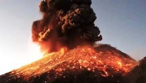 【緊急事態】ポポカテペトル山が噴火した瞬間を高画質で撮影 / 脅威の噴火動画が話題