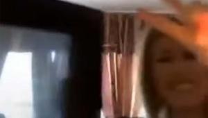 ポップコーン動画を撮る女子がスマホも電子レンジに入れてしまった動画