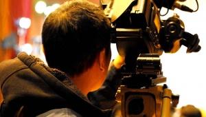 生放送中に気象予報士の木原さんの咳が止まらなくなる / 話せなくなりスタジオ側で対応