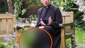 【衝撃】牧師と仲良しニャンコがヤバイ! 牧師がインターネット生配信中に猫と一体化