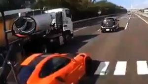 【炎上】ポルシェ暴走事故のドライブレコーダー動画が悲惨すぎる / そしてトラック運転手を責める声