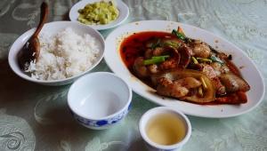【衝撃】中国人にとって中国残飯禁止法は文化を揺るがす死活問題か / 中国は来客が残すほどメシを出すのが礼儀なのか