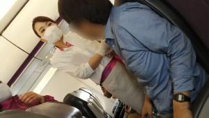 【衝撃】飛行機で激怒する「絶対マスクしないマン」の動画が撮影される / 新潟に緊急着陸「イヤイヤ期だったのかも」
