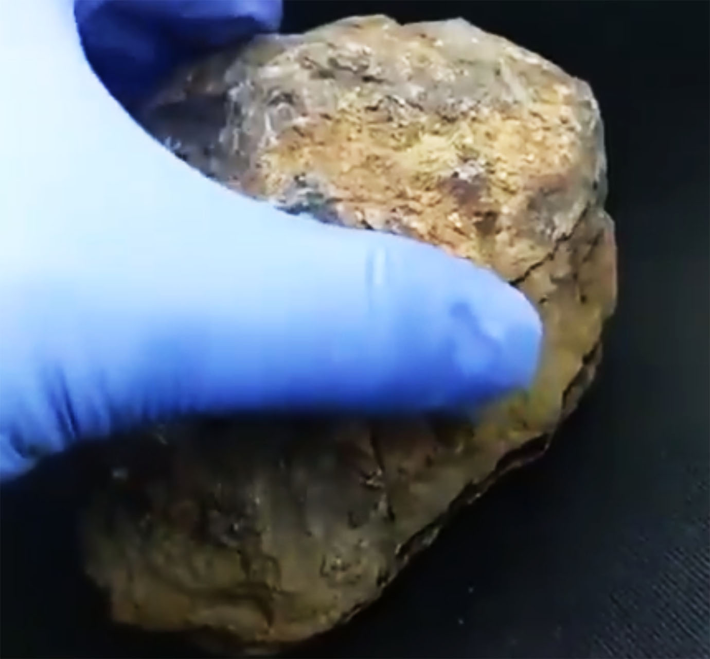 mysterious-meteorite-that-came-from-space