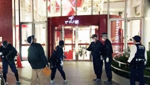 【惨劇】大阪・梅田のビル「HEP FIVE」から男子高校生飛び降り / 直撃の女子大生死去「酷すぎる」