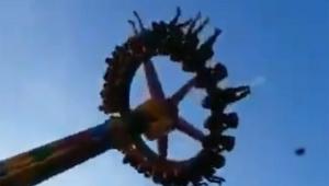 【衝撃動画】遊園地の絶叫マシンから落下 / 叫び声が響き渡る「最悪すぎる無慈悲な事故だ」