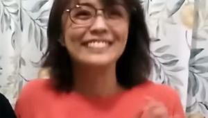 【衝撃動画】女子アナ小林麻耶がずっと笑い続ける最新YouTube動画が物議 / 視聴者の背筋が凍る