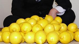 【衝撃動画】コロナ感染で味覚障害になったのでレモン汁を飲んでみた男の動画