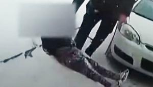 【衝撃】警察官が9歳の女の子の眼球に唐辛子スプレーをかける / 動画撮影され大炎上