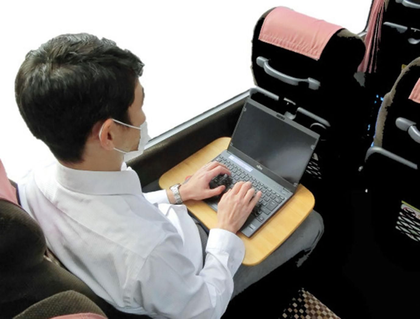 shared-office-bus-tokyo-news