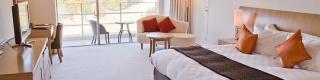 【悲鳴】ホテル団体「Airbnbのせいでホテル倒産しまくりなの助けて!」 旅行客「お前らのサービスが悪いから自業自得だろ(笑)」