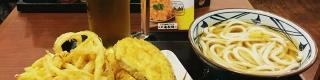 【衝撃】丸亀製麺のビール飲み放題に行ってみた結果 / うどんと天ぷら3品がついて1000円(笑)!